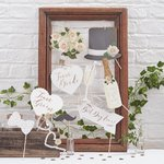 Beautiful Botanics photo booth setti